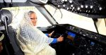 PM inspects 2nd Boeing 787-8 Dreamliner